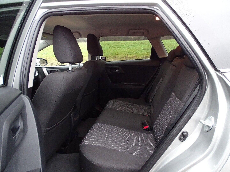 Toyota Auris 2,0 D-4D T2 Touring Sports - billede 5