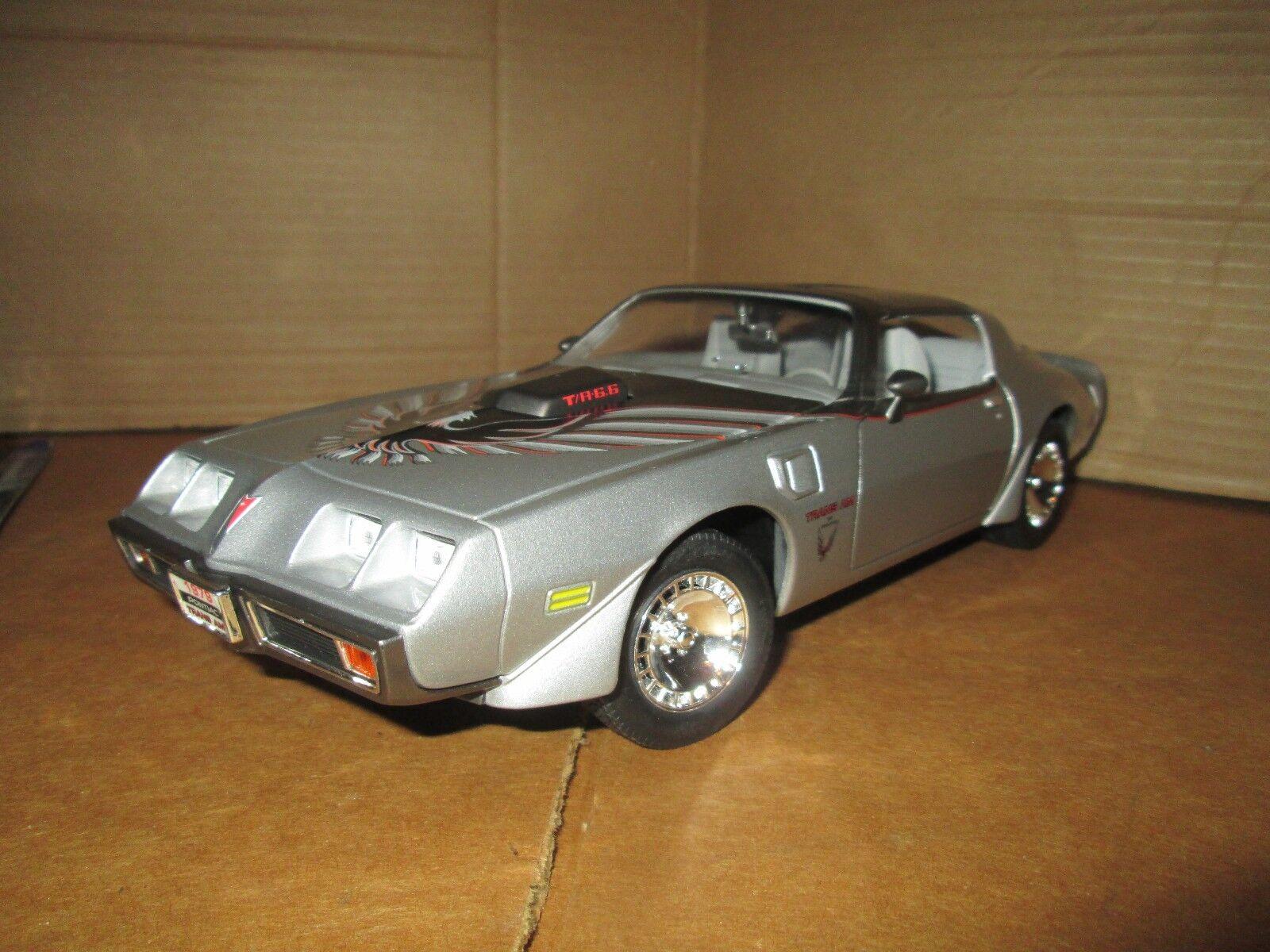 1979 Pontiac Trans Am Road Signature 1 18 Argent Édition Limitée