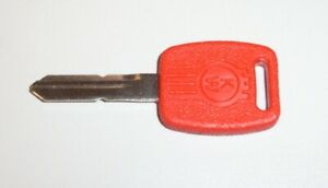 Kenworth-Red-Blank-Key-To-Suit-Tool-Box-Door-On-Current-Chassis-No-S