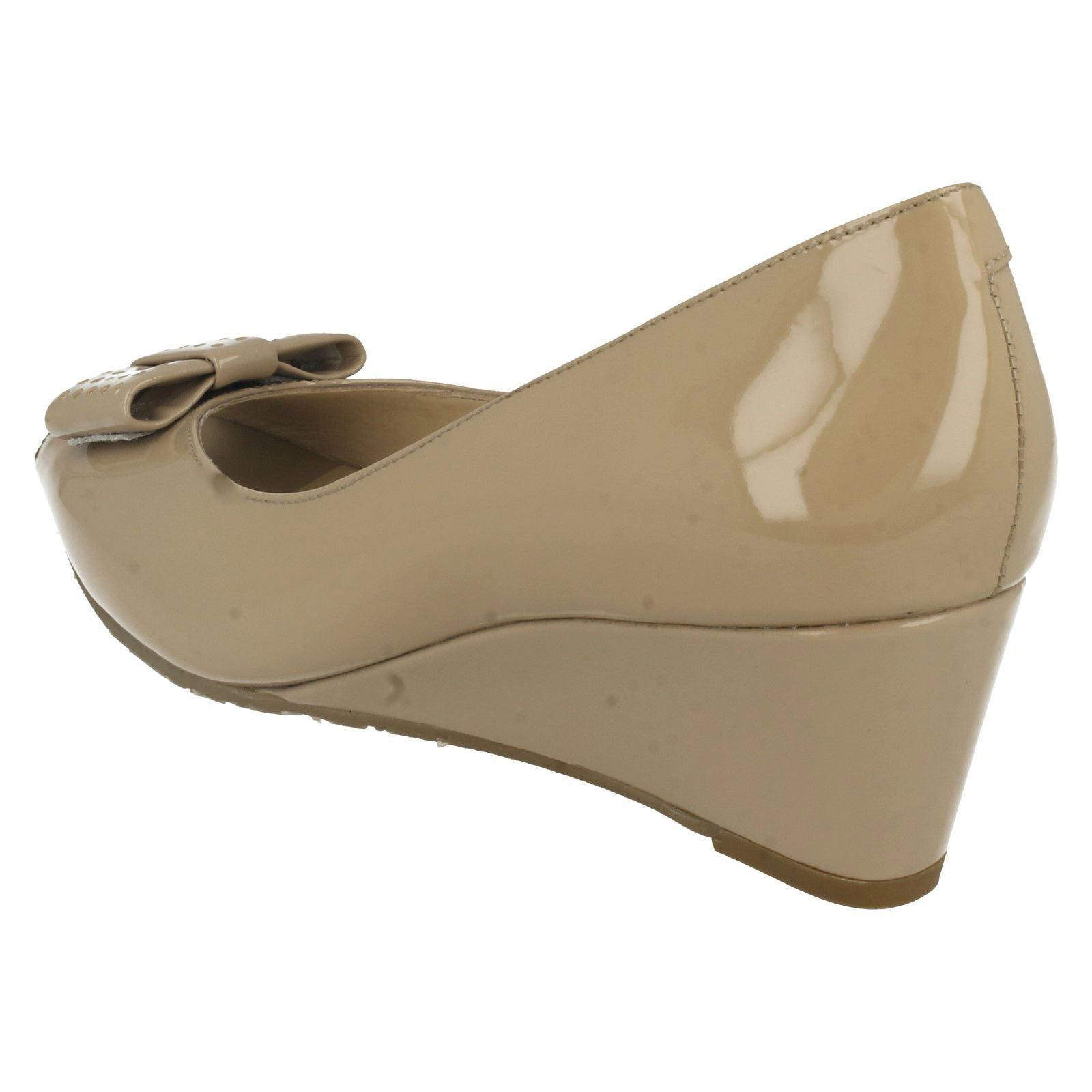 Ladies Nude Patent Leather Slip On Peep Peep Peep Toe Van Dal Wedge shoes Pasadena b73890