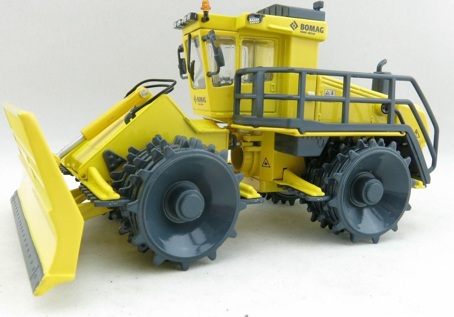 Kaster Scale Models WM9736 Bomag BC 1172 RB REFUSE COMPACTOR Wheel Loader 1 50