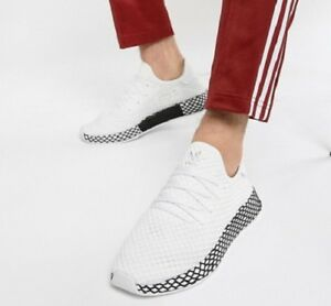 big sale 6a3fa 8f42a Image is loading MENS-ADIDAS-ORIGINALS-DEERUPT-RUNNER-WHITE-BLACK-ATHLETIC-