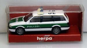 Herpa-1-87-043458-VW-Passat-Variant-polizia-Oh