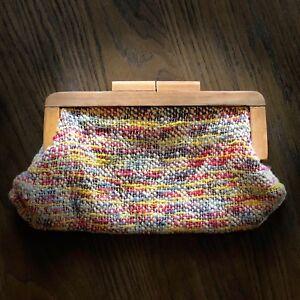 Vintage-RARE-Woven-Crochet-Colorful-Purse-Wood-Handle-Clutch-Purse-ART