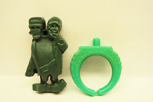 Scarce-1960-039-s-Spook-and-Kook-Gumball-Prize-Pop-On-Toy-Ring