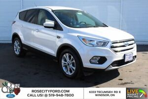 2017 Ford Escape SE / CLOTH / HEATED SEATS / BACK UP CAM / ONE OWNER /