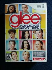 Wii - GLEE KARAOKE REVOLUTION COMPLETE WITH SOFTWARE AND MICROPHONE