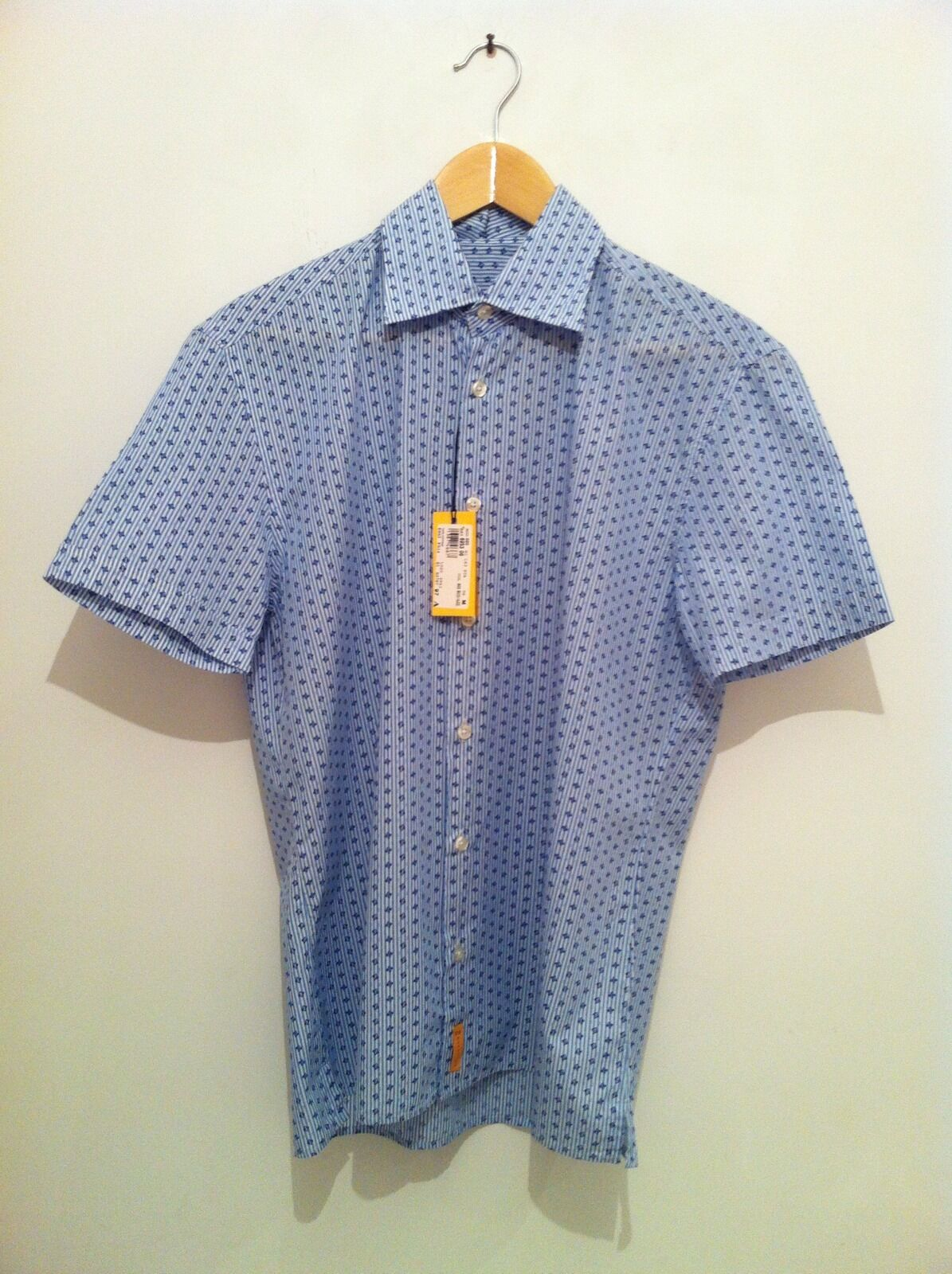BNWT DS REACTION Short Sleeve Shirt In bluee White Print Size M