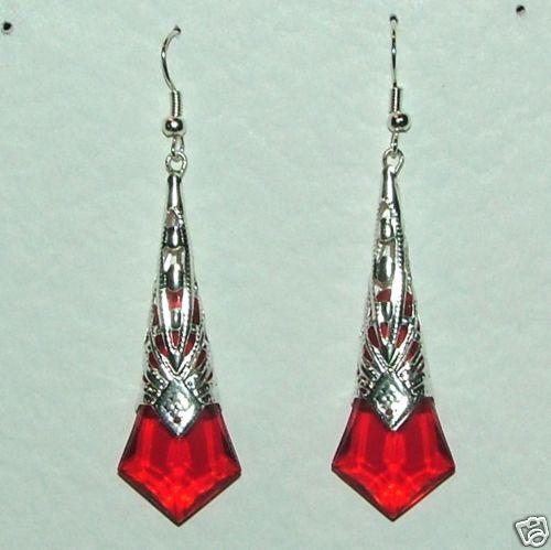Rojo Facetado Acrílico Plateado Filigrana earrings. Gancho Deco Estilo