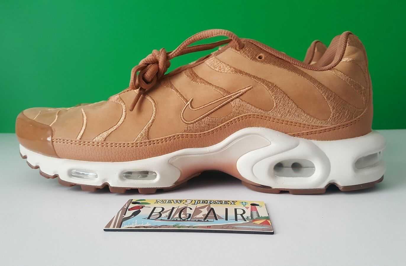 Nike Air Max Plus TN Tuned EF Wheat Flax Suede Sail White Comfortable New shoes for men and women, limited time discount