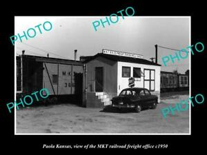OLD-LARGE-HISTORIC-PHOTO-OF-PAOLA-KANSAS-THE-MKT-RAILROAD-OFFICE-c1950