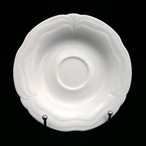 Goebel-PLAZA-WHITE-by-Hanns-Weilling-Saucer-s-5-3-4-034-EXCELLENT