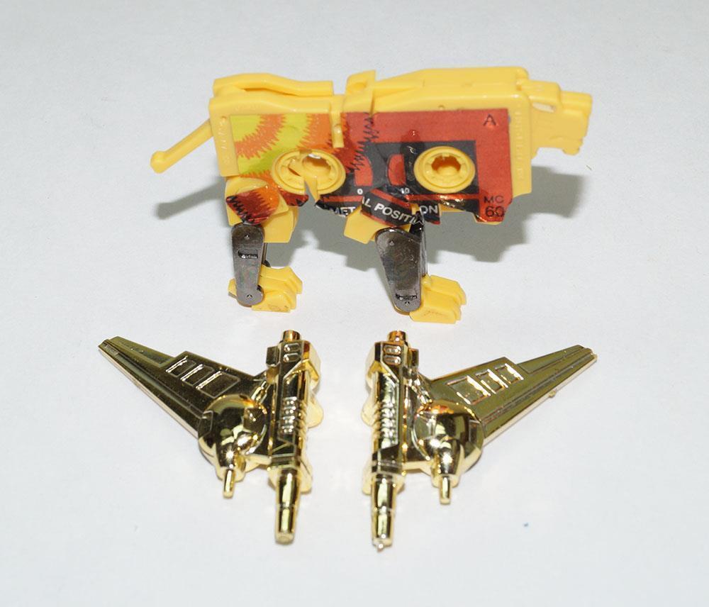 Steeljaw MINT gold 100% Complete 1986 Vintage G1 Transformers Action Figure