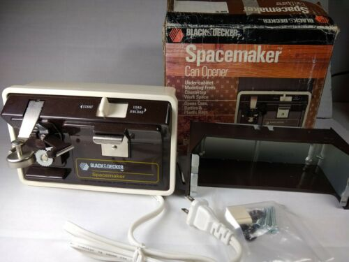 Black & Decker Spacemaker Under Cabinet Electric Can Opener EC60CAD Open Box