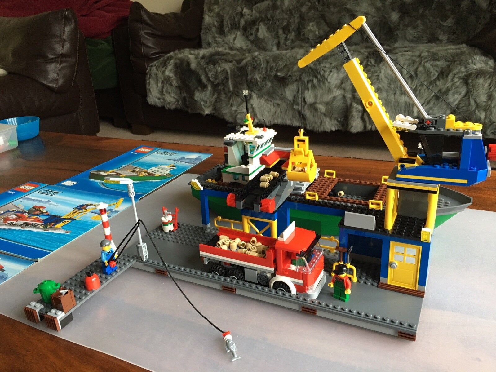 Lego 4645 - City - Harbour - Pre owned - 100% complete.