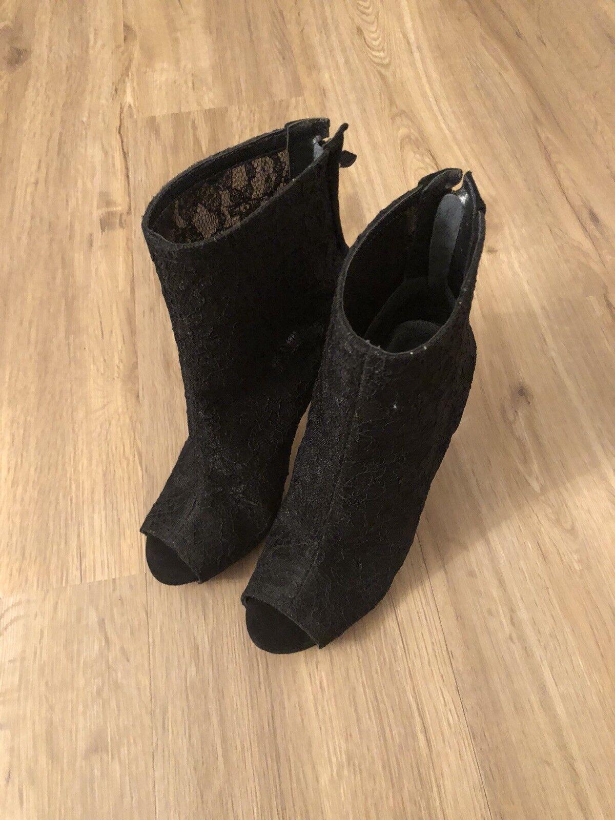 Guess High Heels Günstige und gute Schuhe