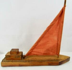 ANTIQUE-HANDMADE-PRIMITIVE-WOODEN-POND-SAILBOAT-FOLK-ART-AMERICANA