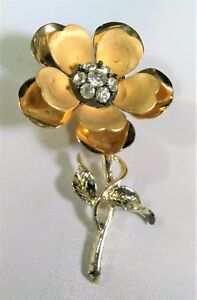 Vintage-Metals-Flower-Brooch-Pin-Gold-Tone-Rhinestones-3D-Florist-Floral-Design