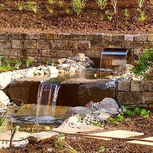 4-5-t-Buntsandsteine-335-t-Natursteinmauer-Trockenmauer-Gartenmauer-Bachlauf