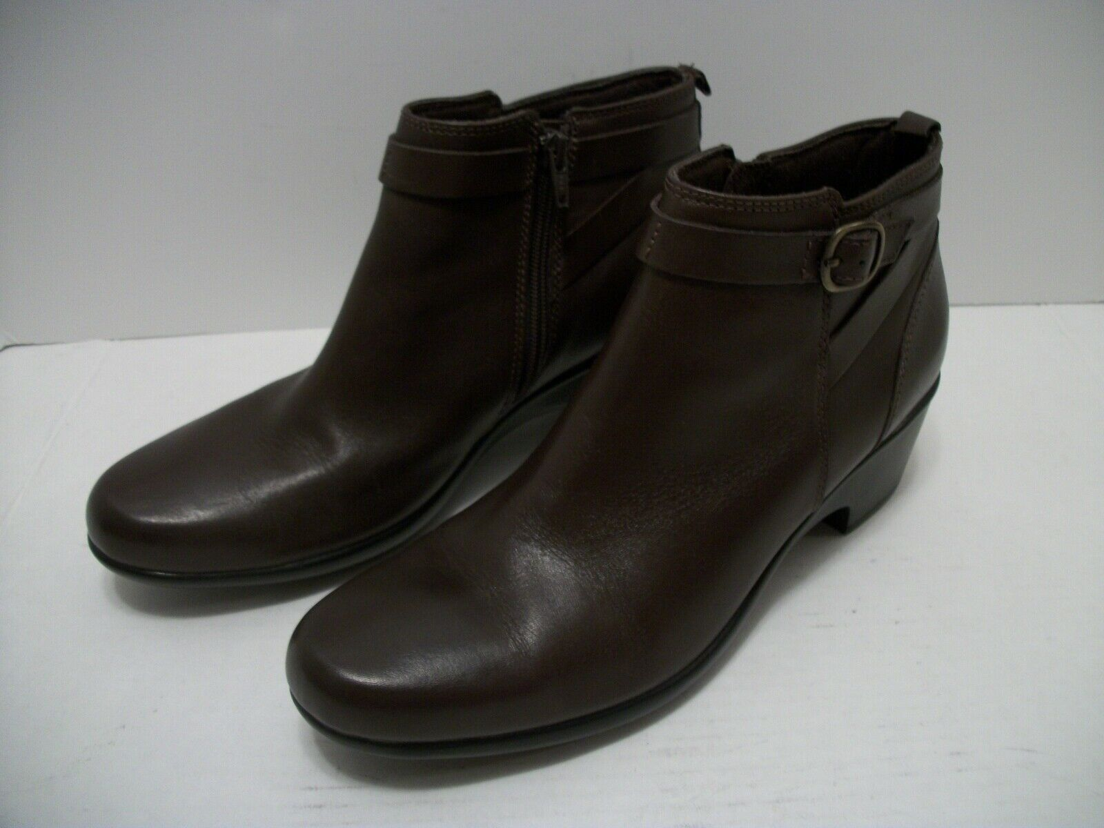 Women's Clarks Collection Chocolate Brown Leather Zip Ankle Boots US Size 11N