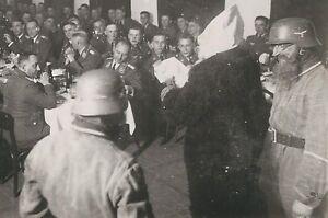 Details Zu 26 751 Ak Soldaten Weihnachten Stahlhelm Feier Selten Frisur