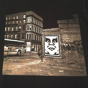 Vintage-Obey-Mens-T-Shirt-Sz-Small-S-Photo-Wall-Graffiti-Propaganda-Old-Andre