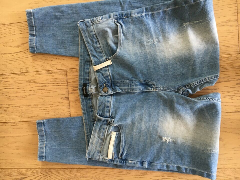 Jeans, B-Young, str. 33