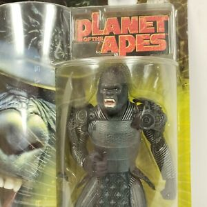 Planet-of-The-Apes-Attar-7-034-Action-Figure-2001-Hasbro-w-Sword-Removable-Helmet