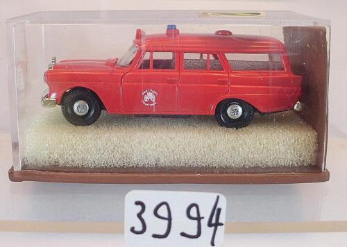Brekina 1//87 Nr 1873 Mercedes Benz 190 Kombi Feuerwehr Stadt Essen OVP #3994