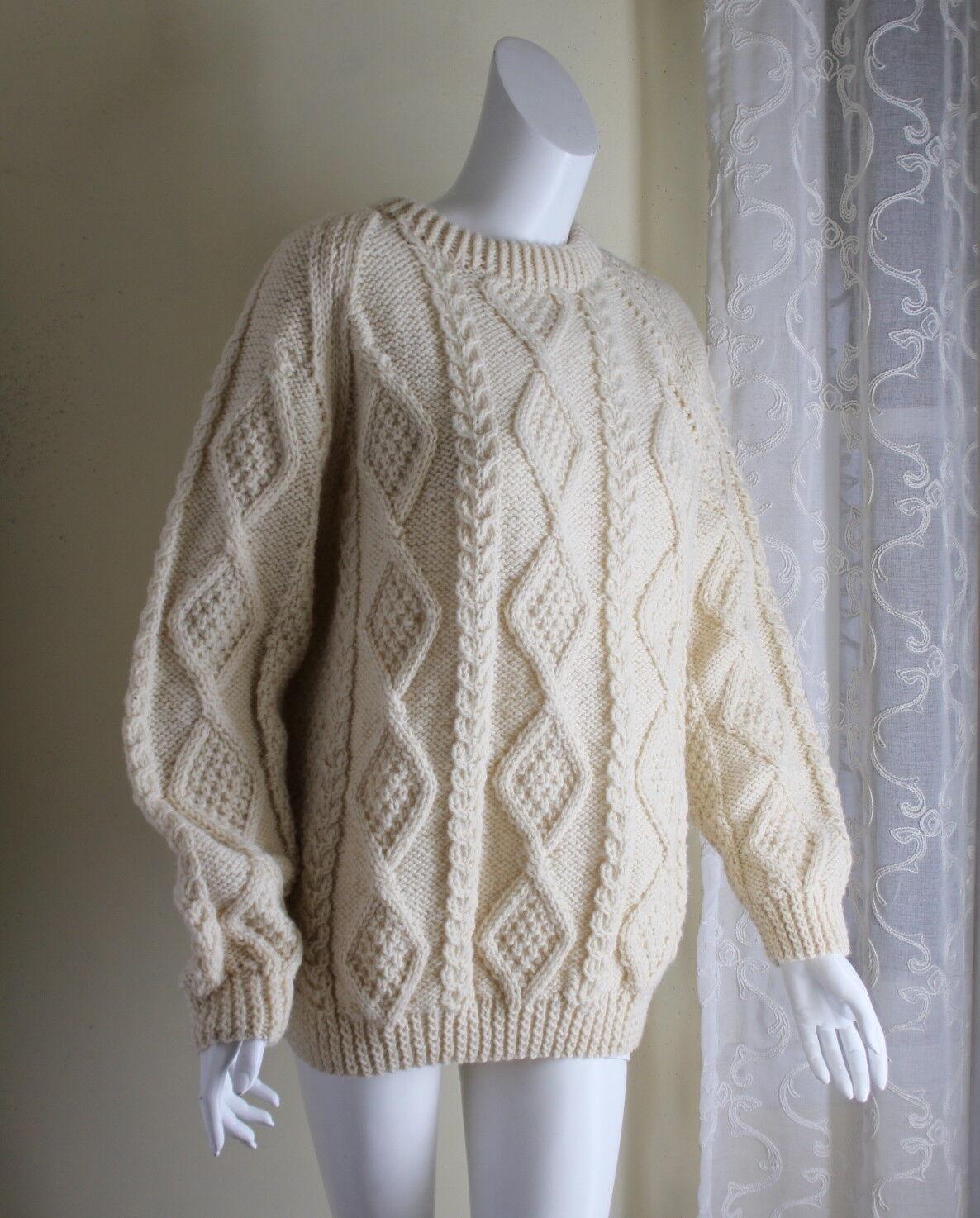 A Hand-Knit K.A.M. Ivory Fisherman Aran Heavy Weight Wool Plush Sweater Sz M L