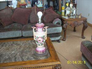 Gilt-Gold-Hand-Painted-Floral-Leaf-Porcelain-Double-Handled-Large-Table-Lamp