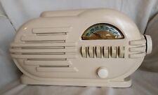 Belmont 6-D-111 Tube Radio Push Button Art Deco 1946 Table Top Antique Vintage
