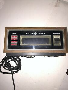 EIGHT 8 TRACK STEREO TAPE PLAYER GENERAL ELECTRIC GE TA556B
