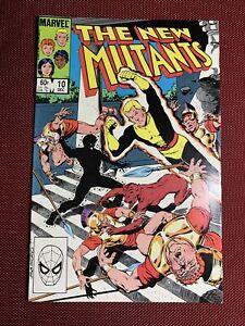 Marvel Comics #10 - THE NEW MUTANTS - (Dec 83)