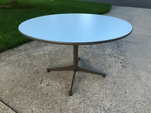 Herman-Miller-Charles-Eames-Table-Painted-Aluminum-Base-MCM-W-Glides-BASE-ONLY