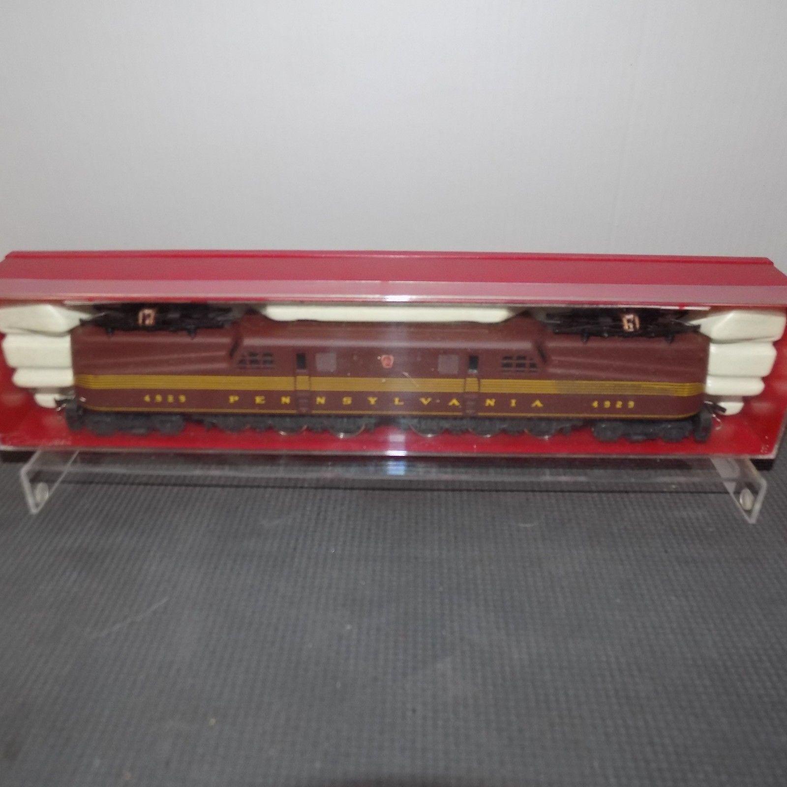 Rivarossi HO Scale GG-1 P.R.R Tuscan rosso 5 stripe electric Locomotive.