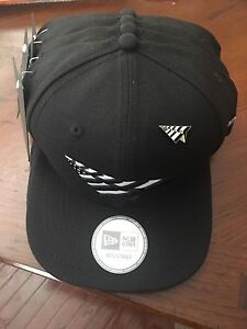 700ba4c17d4 Image is loading ROC-NATION-SNAPBACK-OLD-SCHOOL-HAT-PAPER-PLANES-