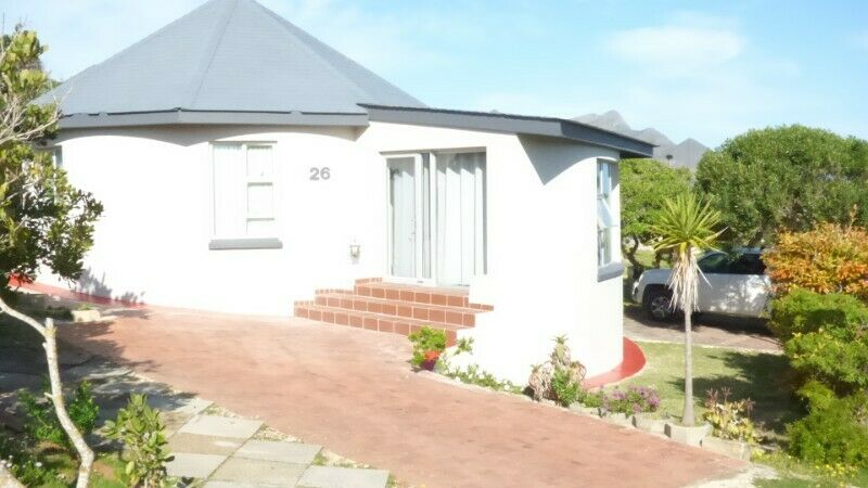 Two Bedroom Chalet  at Meerensee, close to the sandy beach and Botriver estuary 10 Km from Hermanus