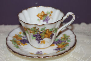 ROYAL-STAFFORD-TEA-CUP-AND-SAUCER-OREGON-GRAPES-ENGLAND
