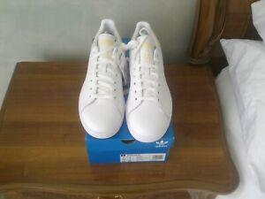 Adidas Stan Smith Originals Blanco Amarillo recortar uk9 Nuevo Y En Caja £ 75rrp