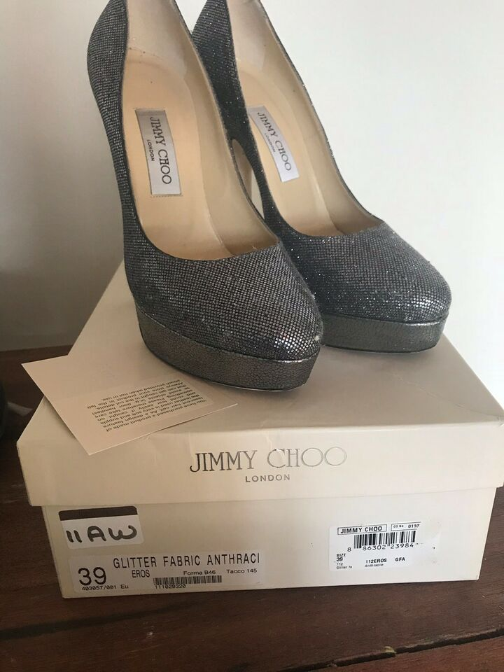 Stiletter, str. 39, Jimmy Choo