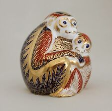 ROYAL CROWN DERBY IMARI PAPERWEIGHT MONKEY MOTHER & BABY w/GOLD STOPPER - Mint