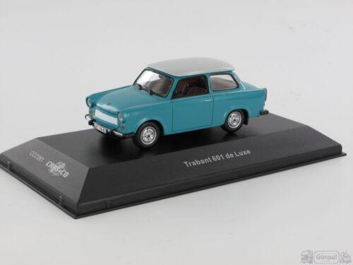 1:43 IXO CCC081  Trabant 601 de Luxe blau//weiß Massstab