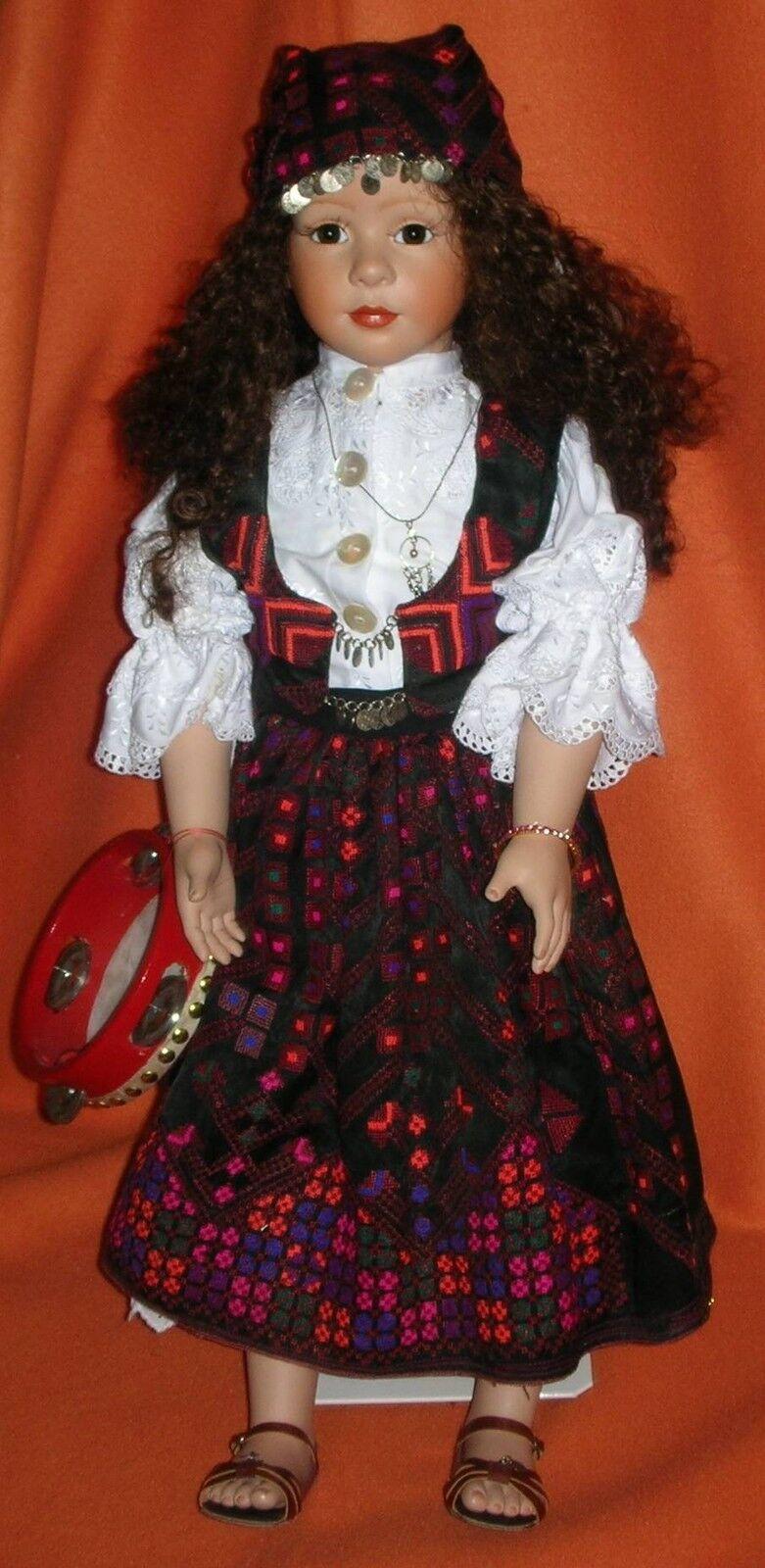 Zigeunerin Künstlerpuppe Monogramm VS Zigeunermädchen Porzellan Puppe 69 cm
