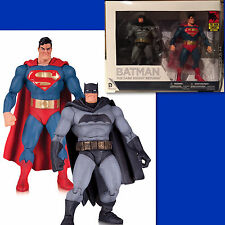 THE DARK KNIGHT RETURNS 30TH ANNIVERSARY BATMAN AND SUPERMAN 2 PACK