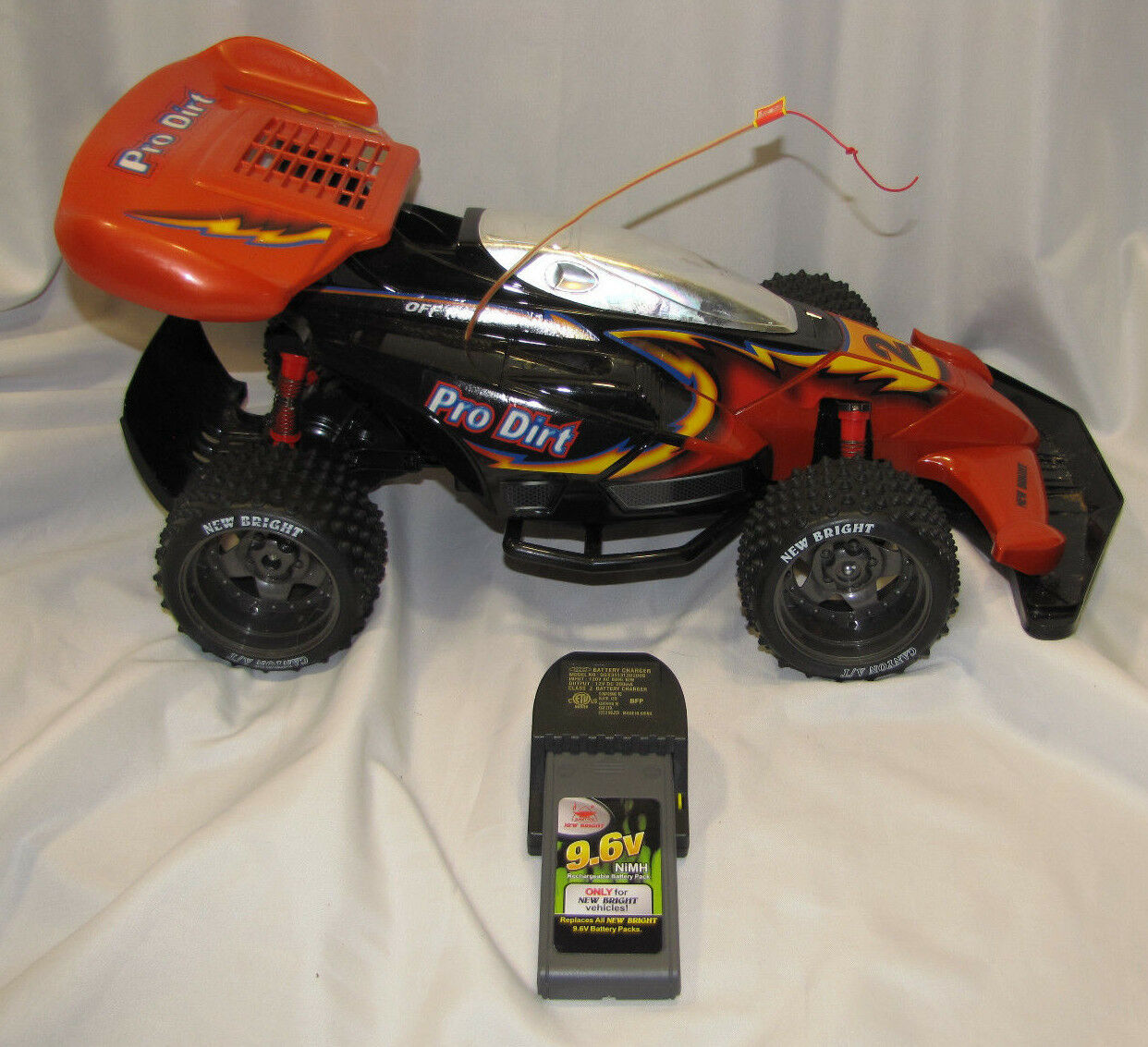PRO DIRT OFF ROAD NEW BRIGHT VEHICLES 9.6V RC R C CAR ROT NEW BRIGHT 4 X 4