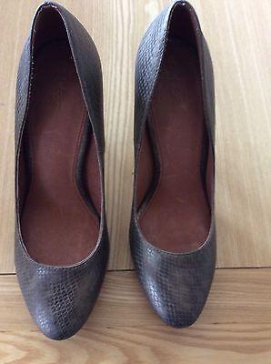 Las nuevas señoras siguiente Tribunal Zapatos Hermoso Bronce/Oro Metálico Color Talla 6.5