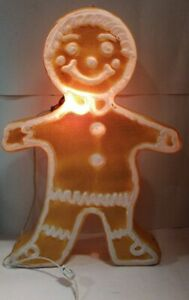 Vintage-24-034-1988-Union-Products-Gingerbread-Boy-Girl-Blow-Mold-Blowmold-Light