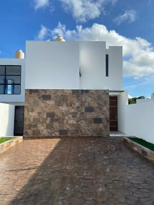 Casa en Venta en Privada Acacias, 2 Recámaras y Piscina