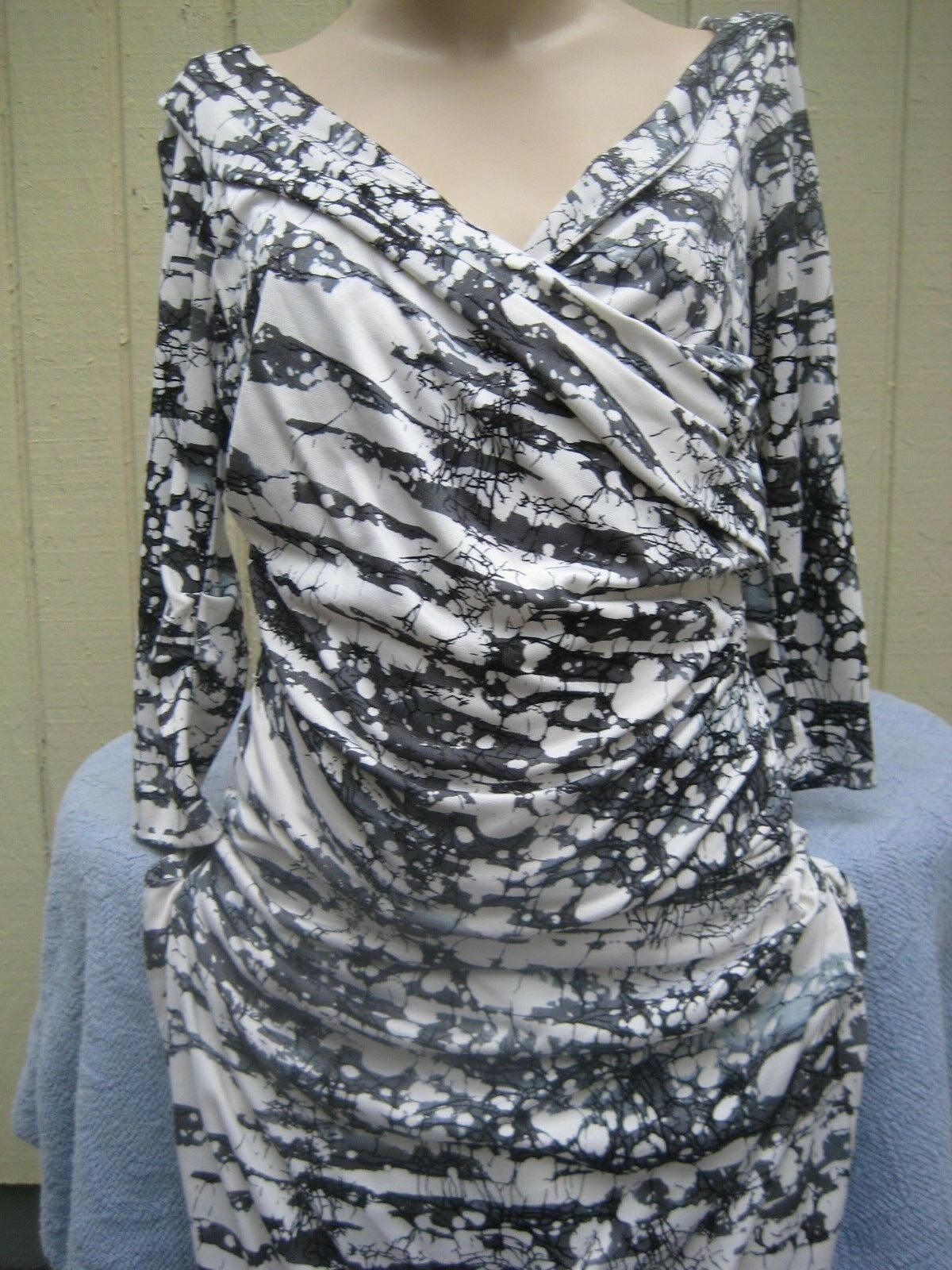 Diane von Furstenberg Dress Size 4